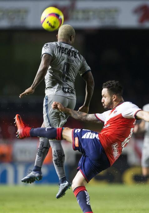 En Fotos: Un contundente Monterrey hunde al Veracruz 20180114-3443.jpg