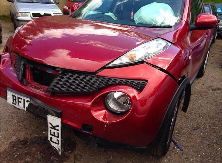 Accidente de coche salva la vida de una mamá