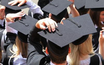 ¿Cómo ayudar a los hijos a escoger una carrera universitaria?
