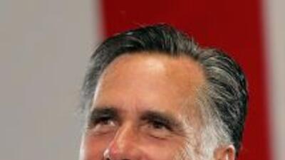 Mitt Romney, tiene una fortuna que asciende a laos $255 millones, según...