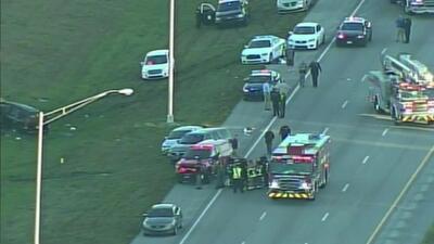 Una persona murió y otras cinco resultaron heridas en accidente de tránsito en la Sawgrass Expressway