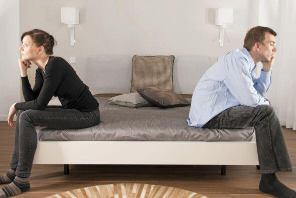 Cada vez más se irá alejando emocionalmente de la pareja, distanciándose...