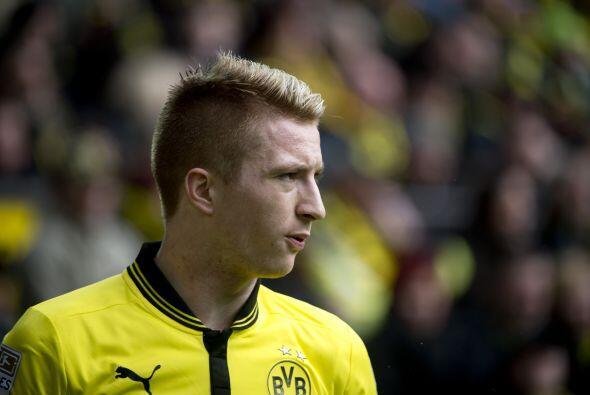 A su lado, aparece el talentoso alemán Marco Reus del Borussia Dortmund.