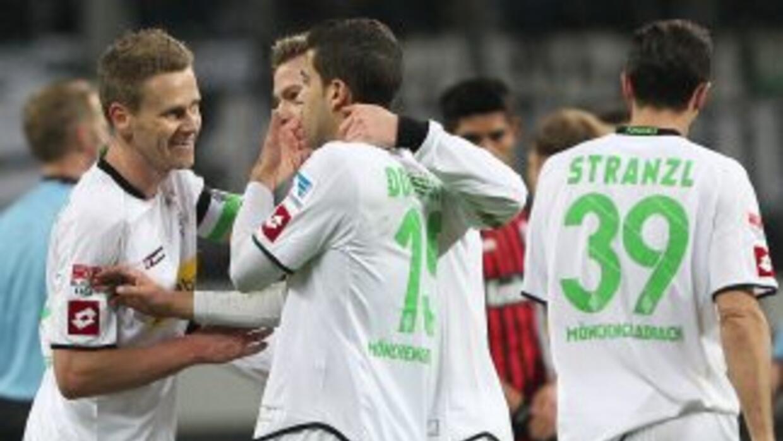 El Gladbach saco un apretado triunfo ante el Hannover.