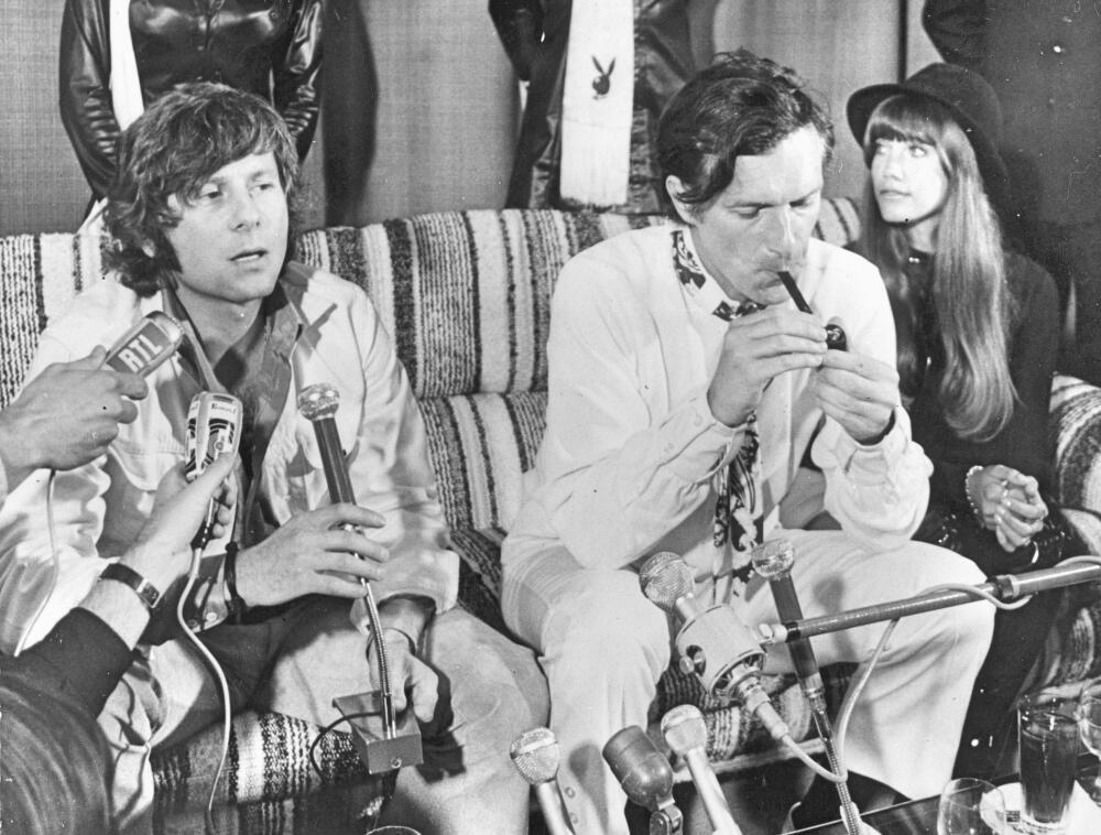 El cineasta Roman Polankski y Hugh Hefner en una conferencia de prensa d...