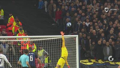 El travesaño evitó el primer gol del Tottenham ante el Inter