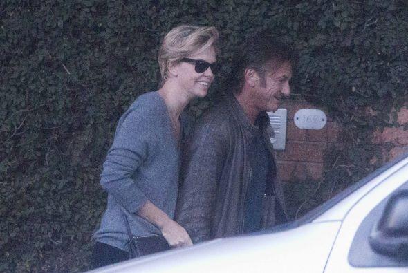 Charlize y Sean, ¿la nueva pareja hot de Hollywood? Mira aquí los videos...