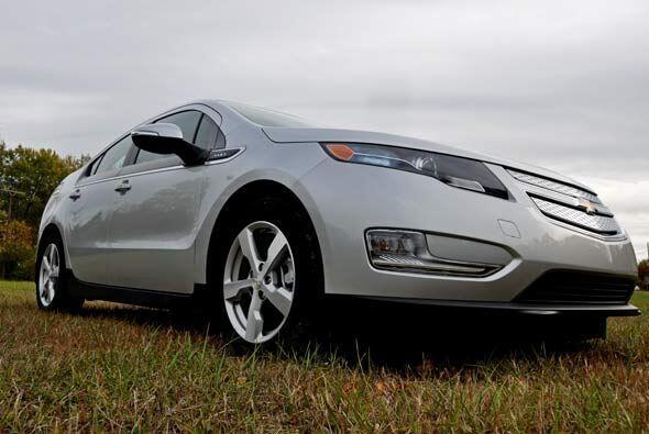 El auto eléctrico Chevy Volt 2011 ya está en las calles y...