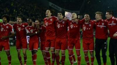 El plantel del club alemás además de jugar buen fútbol también canta muy...