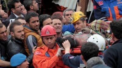Uno de los sobrevivientes de la explosión de la mina de carbón en Turquí...
