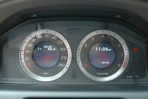 El diseño de los relojes es el ya comocido que porta toda la familia Volvo.