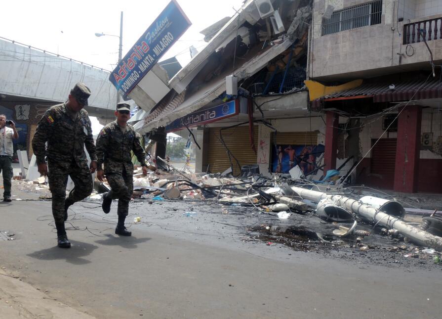Devastación tras el terremoto de 7.8 grados en Ecuador