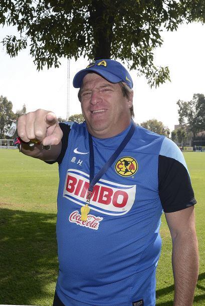 28.- Tras obtener el pase, Miguel Herrera y los jugadores tenían una últ...