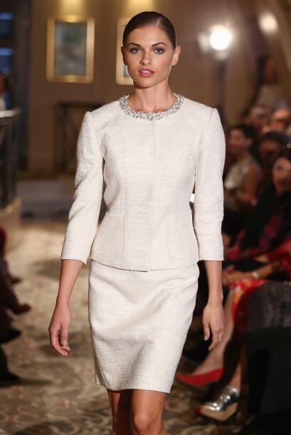 Un modelo muy elegante, adecuado a todas las edades, digno de la boda de...