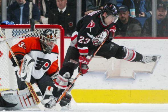 Nació el 20 de agosto de 1974 y debutó en la NHL en la temporada 1998-1999.
