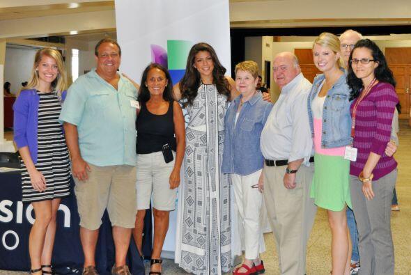 Por segundo año consecutivo Univision unió esfuerzos con la parroquia Nu...