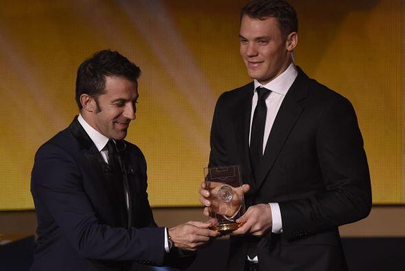 El alemán Manuel Neuer fue elegido como el mejor portero, lo cuál era ob...
