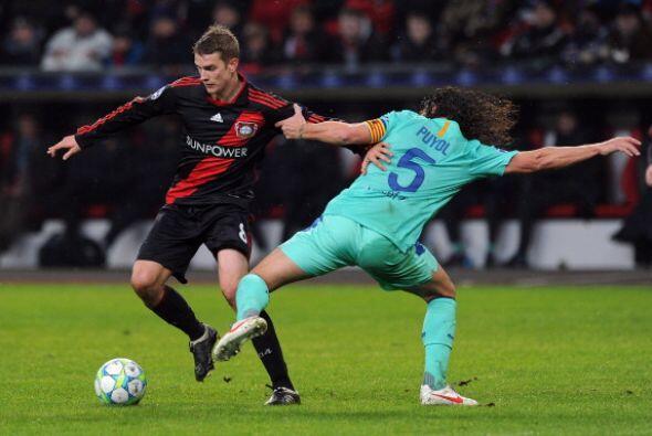 La defensa 'culé' se mostró fuerte, salvo en la desconcentración en el gol.