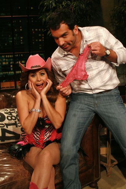 Pero con Carmen Jara se descaró, hasta mostró su ropa interior, ¿pues qu...
