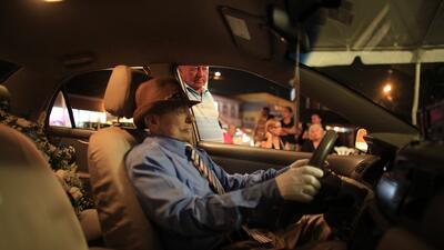 Así fue que decidió ser velado en su taxi