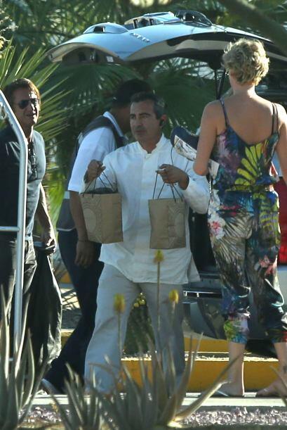 Los famosos dejaron el resort el lunes. Más videos de Chismes aquí.