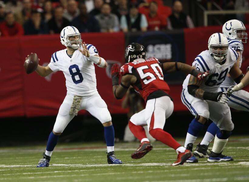 Los Indianapolis Colts con Matt Hasselbeck de QB vencieron 24 - 21 a los...