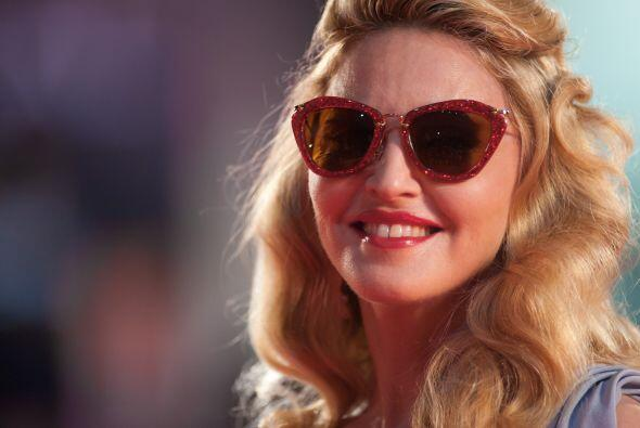 Glamurosa y a la última moda llegó la Reina del Pop Madonn...