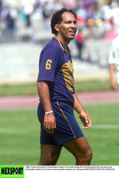 Evanivaldo Castro, Cabinho,  hizo 312 goles en México entre 1974 y 1988....