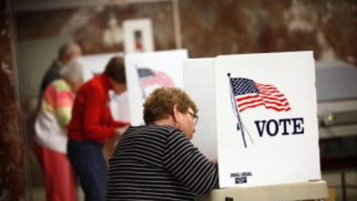 El poder y la responsabilidad de los votantes latinos consiste en ser la...