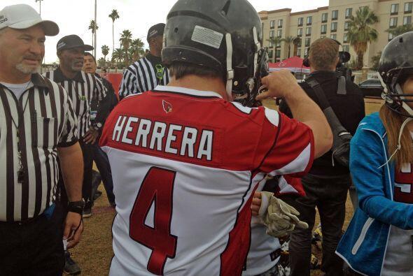 Miguel 'Piojo' Herrera jugó 'Tocho Bandera' en Phoenix como parte del pr...