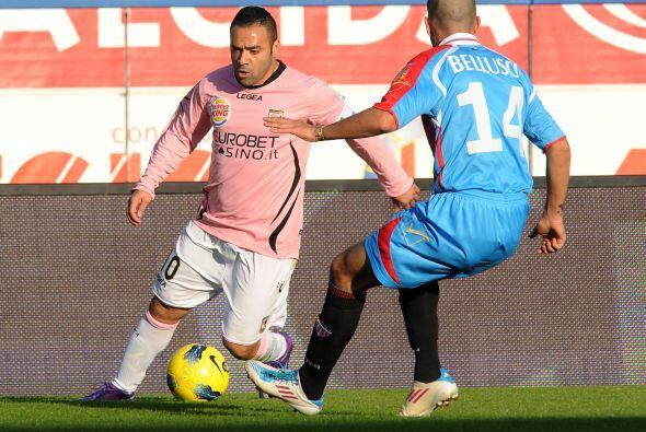 En otro enfrentamiento, el Catania le ganó 2-0 al Palermo.