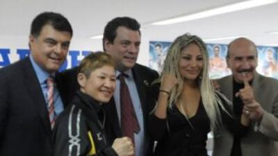 Mariana Juárez yNaoko Fujioka listas para su pelea (Foto: Promociones d...