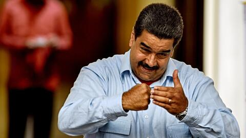Nicolás Maduro desafía a un debate a Mariano Rajoy