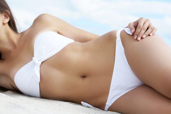 El agua de coco ayudará a limpiara todo tu cuerpo y desintoxicarlo de un...