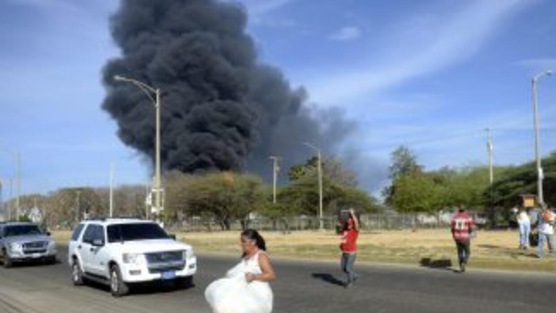 El fuego en la refinería venezolana fue apagado.