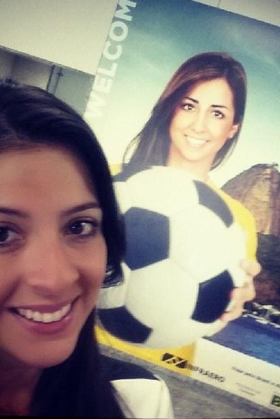 """""""¡Después de casi 9 horas de vuelo....llegamos! #Brasil #MaityonTheRoad..."""