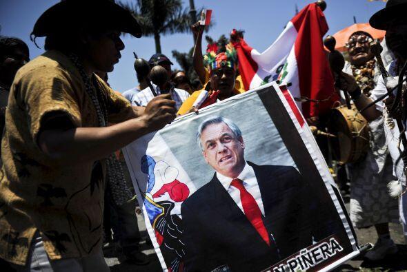 Pero para muchos lo que está en juego en el pleito iniciado por Lima en...