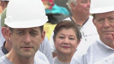 Líderes republicanos hacen un recorrido en las áreas afectadas por Harvey