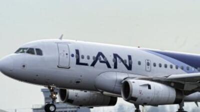 Falsa amenaza de bomba obligó a un avión de la aerolínea LAN a aterrizar...