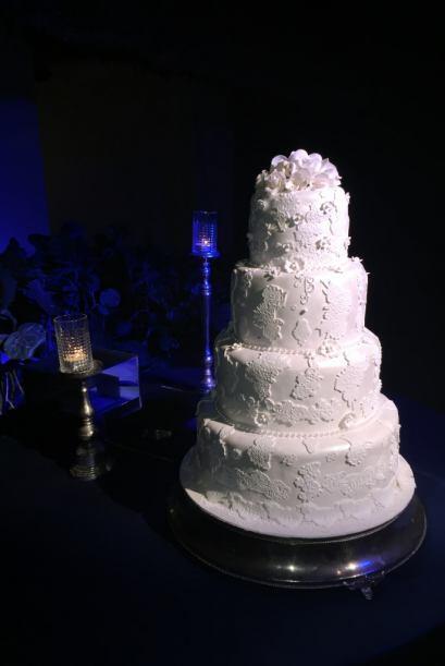 El pastel fue una pieza de ensueño y se veía delicioso.
