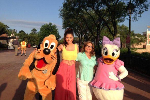 Continuamos con la mamá de Nuestra bella Ana Patricia González.