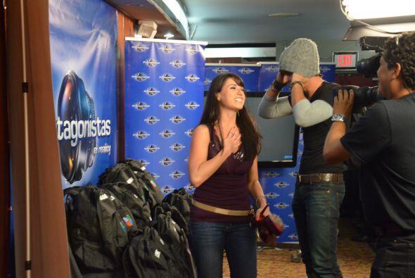 Shanik buscó su mochila y siguió mirando quiénes entraban a la competencia.