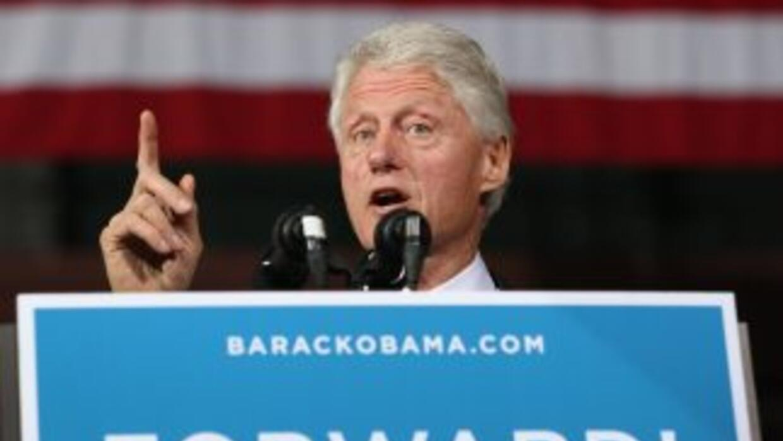 El papel de sustituto no es nuevo para Clinton, convertido en uno de los...