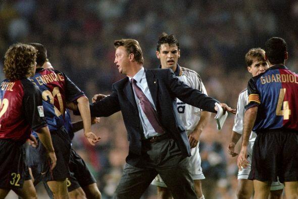 En los años 90s, solo un técnico del Barcelona logró ganar en su primera...