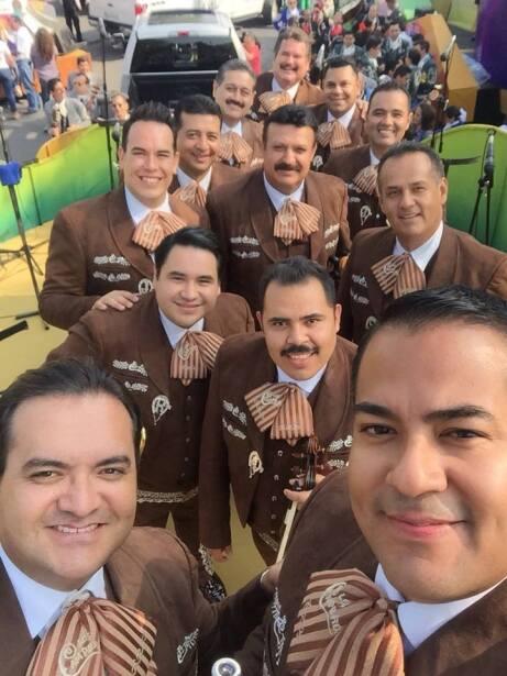 Banda de regional  mexicano - Mariachi Los Camperos De Nati Cano