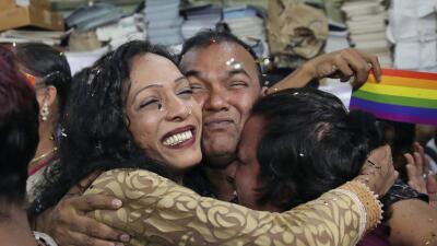 La Corte Suprema de India despenaliza la homosexualidad al derogar una norma de la era colonial británica