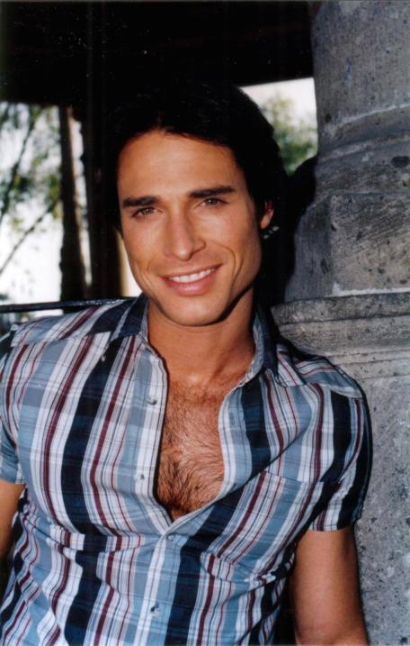 Sebastián Rulli pasó del modelaje a las novelas, as&iacute...