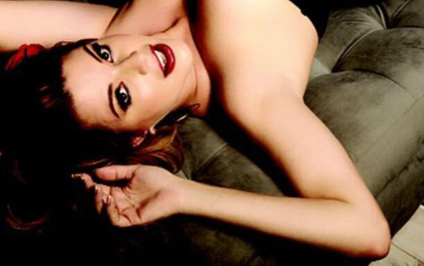 Alicia Machado se desnuda