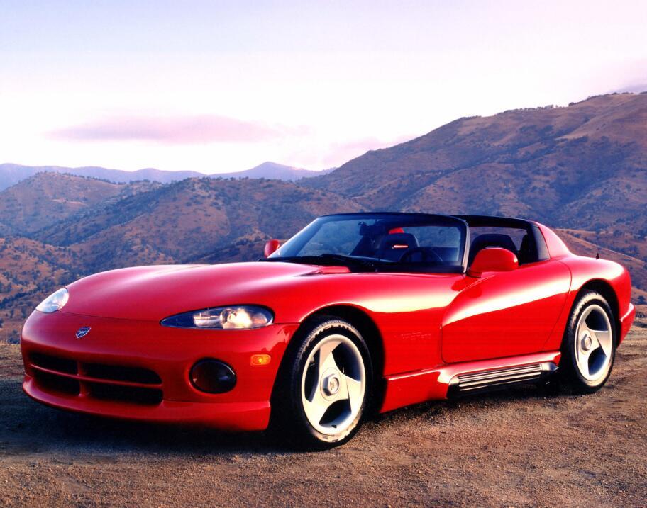 Fin de una era: Dodge construyó el último Viper 1992_Dg_Viper_frnt_lft_c...