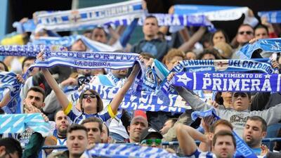 Los fans del Deportivo festejaron a medias, porque su equipo pese al tri...